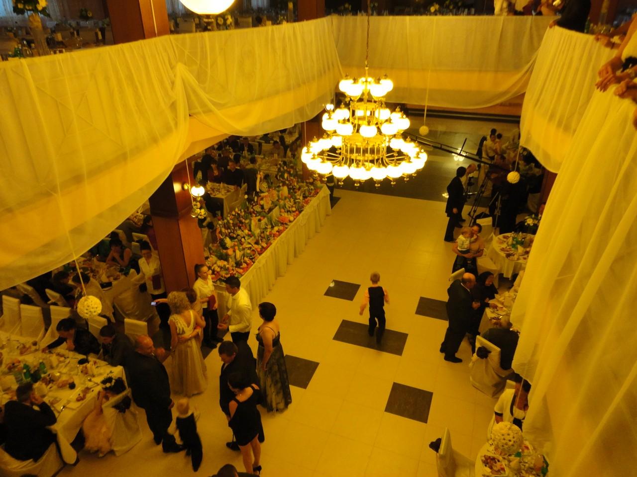 Spectacol de dans la nunta