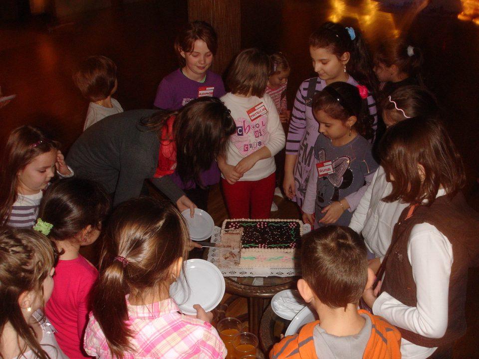 Tort de Mos Nicolae la grupa de copii