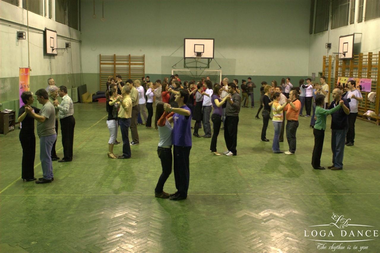 Prima ora de dans in sala de sport