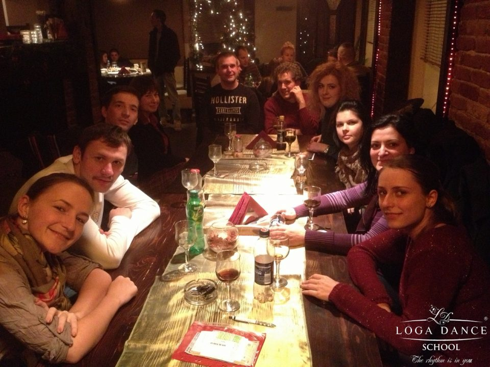La pizzeria Gemelli cu grupa de Intermediari