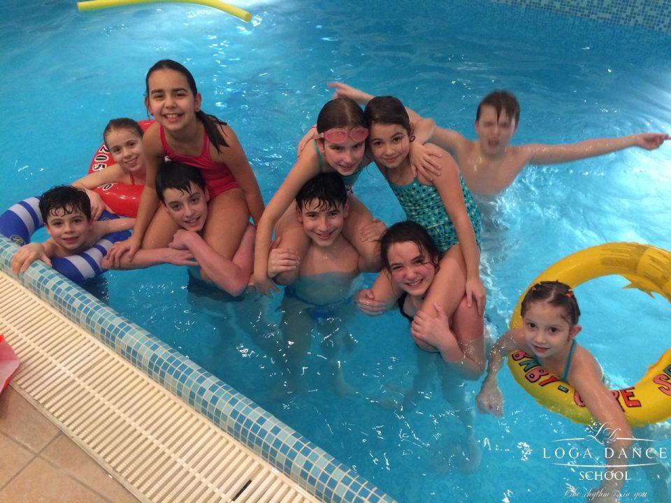 Pool party cu grupa de Intermediari & Performanta