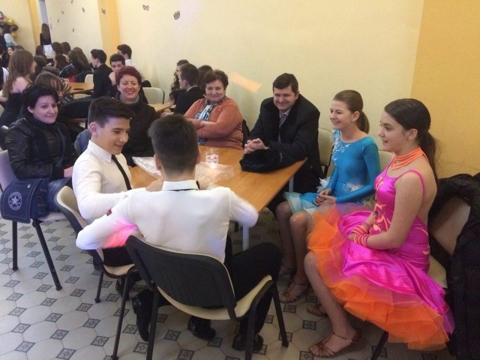 Spectacol de dans la Carnavalul Liceului Kolcsey Ferenc