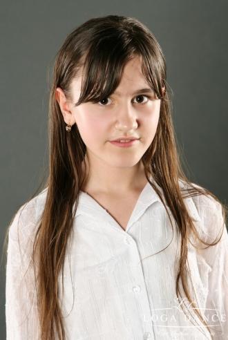 Farkas Henrietta<BR>