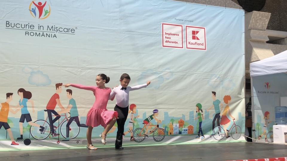 Spectacol de dans Loga Dance School la evenimentul - Bucurie in Miscare